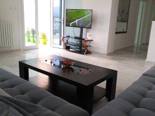 Luxueux appartement RESIDENCE LARABI TLEMCEN , 06 personnes