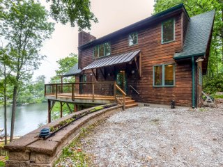 New Listing! Lakeside 3BR Highland Lakes Home W/Private Dock & Kayaks - Easy Access to Mountain Creek & Hidden Valley Skiing!