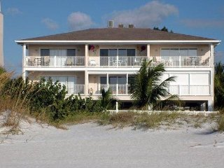 Exceptional Gulf-Front Condo, Upper-Corner 6 Units, Indian Rocks Beach