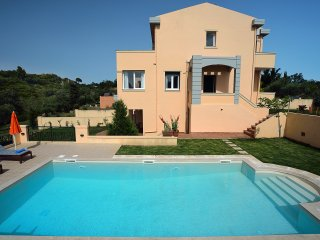 Villa IRIS, Corfu Town