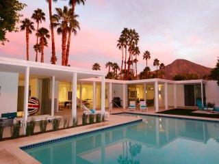 Desert Glam--sleep where the Roosevelts slept!, Indian Wells