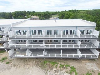 Beautiful Waterfront Put-in-Bay Condo, Sleeps 12 - Your Search Stops Here!, Put in Bay