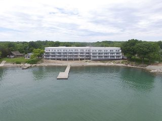 Modern, Waterfront Beauty with 4 BR, 3 Baths + Lake Erie Panorama Views, Put in Bay