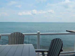 New 4 Bedroom 2 Bath Lake Erie Condo - Sleeps up to 10 max