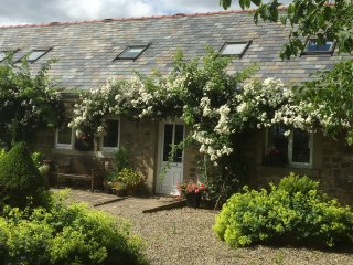 Ideal family & friends, great countryside & views