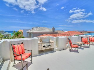 Rooftop Retreat- 3BR - *Avail 4/30-5/7*- RealJoy FunPass