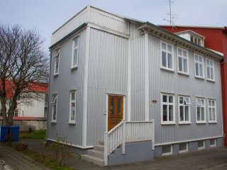 Cosy apartament in down town, Reikiavik