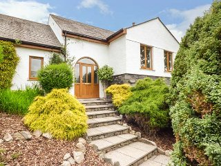 BRAESIDE, detached house, large garden, woodburning stove, walking and cycling f
