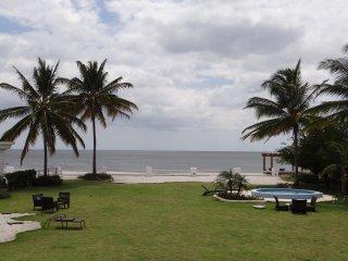 "Beach Front Property ""Quinta Sol"", Farallón (Playa Blanca)"