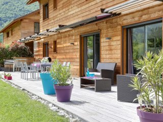 Rustic chalet close to the lake, Sevrier
