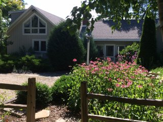 Door County Lakefront Cottage, Sturgeon Bay