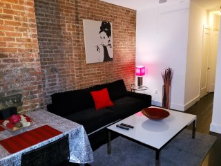 Modern 2 Bedroom In Prime Midtown, New York