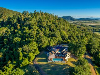 Pepperberry House Whitsundays, Cannonvale