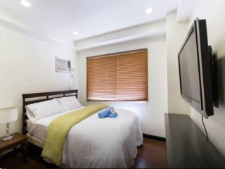 W Tower 1BR Loft Condo, Premiere Location BGC 1405, Taguig City