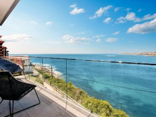 CLOVELLY Cliffbrook Parade (3 month min) $2000 Per Week, Clovelly