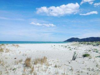 In spiaggia a piedi, appartamento a soli 100 metri, Capo Comino