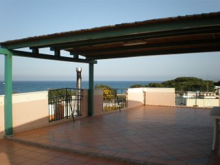 AMAZING AND SPACIOUS ATTIC IN FRONT OF THE SEA, La Caletta