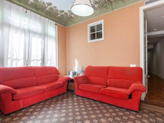 Comfortable sofas to relax after sightseeing!