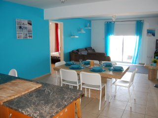 SACHA'S BEACH 3 BEDROOM APARTMENT KAPPARIS
