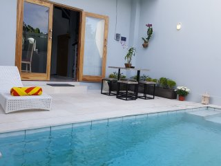 Bodat Townhouse, 2 bedroom+pool+scooters, Seminyak