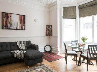 Mayfair - Stunning Refurbished Flat