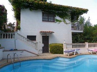 Mundo Villa Royale with Pool, Lloret de Mar