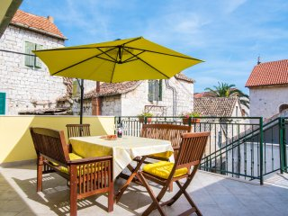 Apartments Ana - One Bedroom Apartment with Terrace (Sunny Castle), Kastel Stafilic