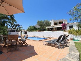 MJ00072 -  Charming 3 Bed Villa - Walking distance to many bars and restaurants