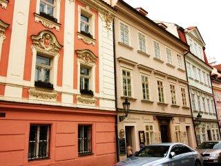 StayWithUs Romantic Apartment, Prague