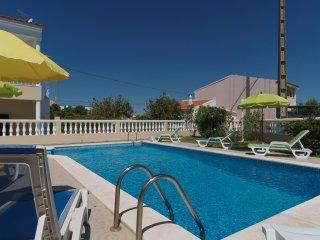 Cálamo prata Villa, Armação de Pêra, Algarve, Alcantarilha