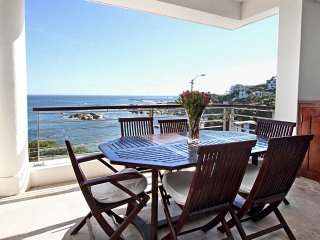 Bali Luxury Suite E, Camps Bay