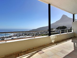 Medburn Views Penthouse, Camps Bay