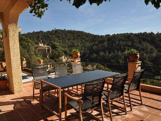 Mundo-High VIP Villa with Pool and View, Lloret de Mar