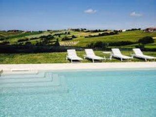 Villa Peonia with pool