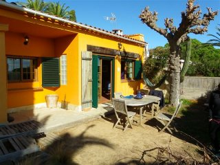 Mundo Yoga Tranquila with Shared Pool and View, Lloret de Mar
