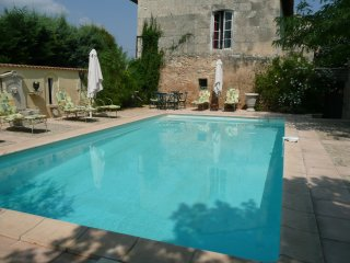 Mas Pilet du Gres - Beautifully Restored Farmhouse, Beaucaire