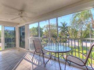 Sanibel Surfside #216: Amazing Condo w/ Great Island Location Steps to Beach!