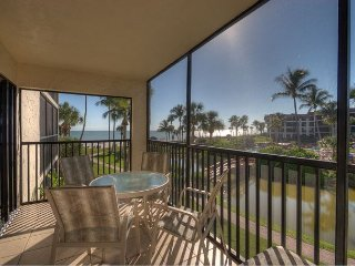 Pointe Santo E22: Newly Remodeled Bathrooms and Great Gulf Views from Lanai!, Île de Sanibel