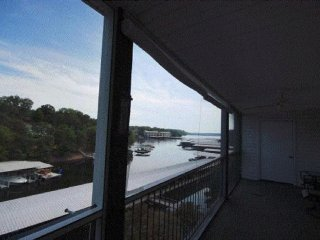 Beautiful Fully Furnished 2BR 2BA Condo w/Pool, Lake Ozark