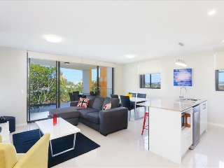 Close to the Cliffs - Exec 2BR Kangaroo Point Apt