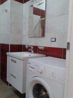 bagno completo di lavatrice