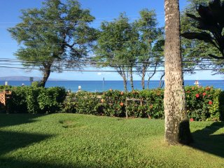 BEAUTIFUL OCEANFRONT VIEWS - KAMAOLE BEACH I, Kihei