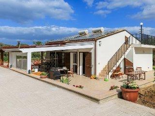 Villa con accesso privato a spiaggia, Cefalu