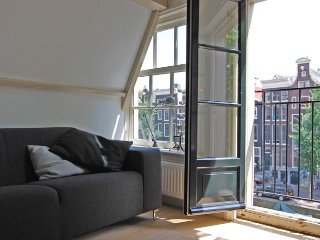 Historic Canal Apartment, Amsterdam