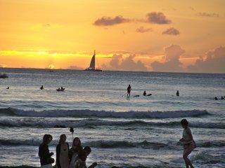 Long-term Executive/Student Studio near Beach, Honolulu