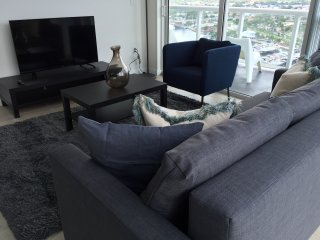 Cozy and Modern 3 bedroom ( River Oaks ) RO3BR3