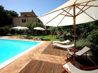 Detached villa with private pool near Todi/Spoleto
