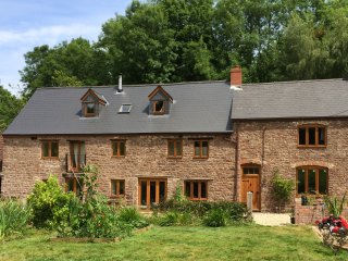 2 double bedrooms in old mill in Forest of Dean, Aylburton