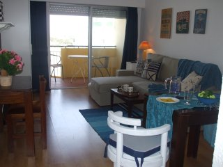 Modern studio, great sea view, heart of Cascais