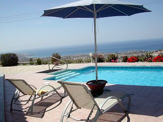 180 Degree Coast Views, own pool, no-through road, Peyia
